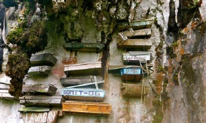 hanging-coffins-of-sagada-500x3001